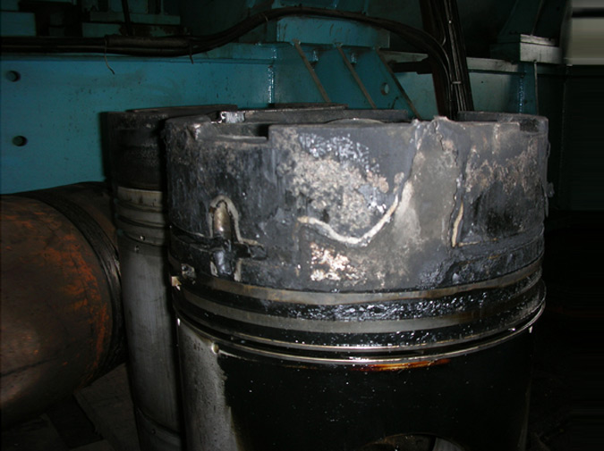 Piston without insert following in-operation failure